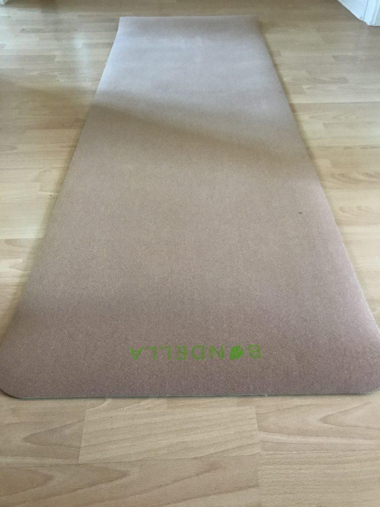 Bondella Ahimsa Kork Yogamatte im Test 4